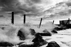 El estrellarse de las ondas Foto de archivo libre de regalías