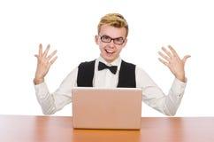 El estudiante elegante que se sienta con el ordenador portátil aislado encendido Imagen de archivo