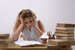 El estudiante no podría solucionar el problema de matemáticas Imágenes de archivo libres de regalías