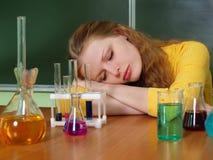 El estudiante que duerme en una lección Fotos de archivo