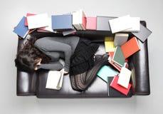 El estudiante se cayó dormido Foto de archivo
