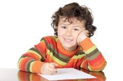 El estudiar adorable del muchacho Foto de archivo libre de regalías