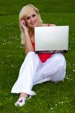 El estudiar al aire libre. Fotografía de archivo libre de regalías
