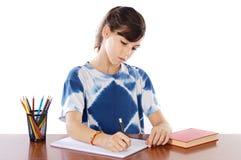 El estudiar de la muchacha Imágenes de archivo libres de regalías