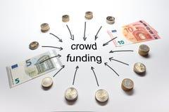 El euro de la financiación de la muchedumbre acuña billetes de banco Fotografía de archivo libre de regalías