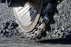El excavador en el frente de arranque del carbón Imágenes de archivo libres de regalías