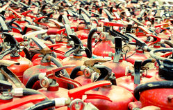 El extintor usado Imagen de archivo