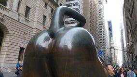 El extremo de la Bull en Wall Street Imagen de archivo libre de regalías