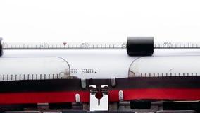 El extremo escrito en una máquina de escribir vieja, concepto del escritor de la historia almacen de video