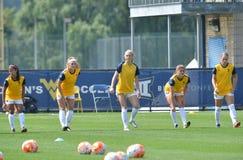 2015 el fútbol de las mujeres del NCAA - Villanova @ WVU Fotografía de archivo