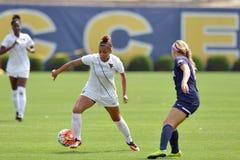 2015 el fútbol de las mujeres del NCAA - Villanova @ WVU Fotos de archivo