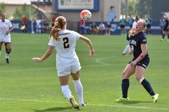 2015 el fútbol de las mujeres del NCAA - Villanova @ WVU Foto de archivo