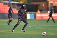 2015 el fútbol de las mujeres del NCAA - WVU-Maryland Imagenes de archivo