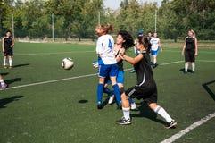 El fútbol del juego de las muchachas, Imágenes de archivo libres de regalías