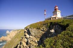 El faro abierto de la resaca del cabo ROCA Portugal oscila el parque nacional Imágenes de archivo libres de regalías
