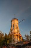 El faro de Rauma en la puesta del sol. Imagen de archivo