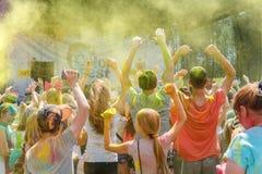 El festival anual de los colores ColorFest fotos de archivo