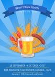 El festival de la cerveza está aquí ejemplo del vector en azul Imagen de archivo
