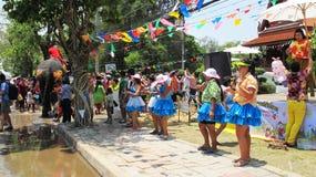 El festival de Songkran se celebra con los elefantes en Ayutthaya Imagen de archivo libre de regalías