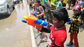 El festival de Songkran se celebra con los elefantes en Ayutthaya Imágenes de archivo libres de regalías