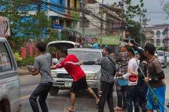 El festival de Songkran se celebra en Tailandia Imágenes de archivo libres de regalías
