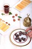 El Fitr伊斯兰教的宴餐曲奇饼  库存图片