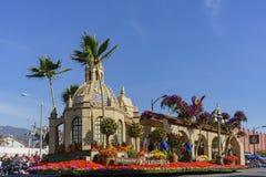 El flotador de la orilla hermosa en Rose Parade famosa Fotografía de archivo libre de regalías