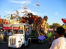 El flotador de Mardigrass, el condado de Los Angeles justo, Fairplex, Pomona, California fotografía de archivo