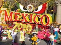 El flotador del tazón de fuente 2010 de México Rose Imagenes de archivo
