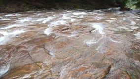 El fluir del río metrajes
