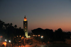 EL Fna de Djeema na noite, C4marraquexe Fotos de Stock Royalty Free