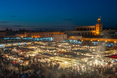 EL-Fnaa de Jemaa, place et marché à Marrakech, Maroc Photos stock