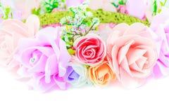 El fondo blanco de la flor añade un mensaje Foto de archivo libre de regalías