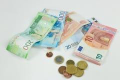 El fondo de diversas monedas Dinero de los países diferentes: el aislador del dinero de los países diferentes foto de archivo libre de regalías