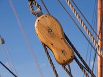 El fondo de la navegación navega la polea de las cuerdas Imagen de archivo libre de regalías