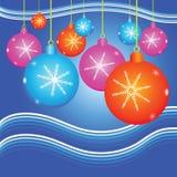 El fondo de la Navidad con adorna la bola Imágenes de archivo libres de regalías