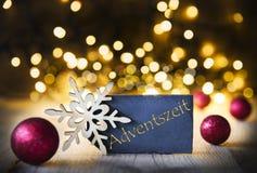 El fondo de la Navidad, luces, Adventszeit significa a Advent Season Imagen de archivo