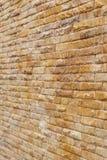 El fondo de la pared de ladrillo usado adorna Fotos de archivo libres de regalías