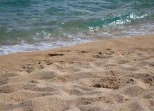 El fondo de la playa por el mar fotografía de archivo libre de regalías