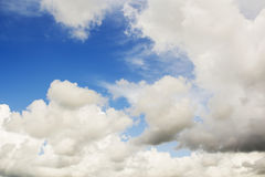 El fondo del cielo azul Fotografía de archivo
