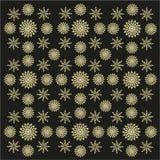 El fondo negro con la suposición florece el ornamento Imagen de archivo libre de regalías
