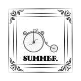 El fondo y el marco del vintage con viaje del verano diseñan - la bicicleta Hola verano Imagen de archivo