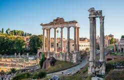 El foro romano en Roma imagen de archivo