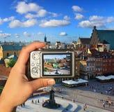 El fotógrafo toma el cuadro de Varsovia fotografía de archivo