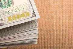 El fragmento del billete de dólar 100 Imagen de archivo libre de regalías