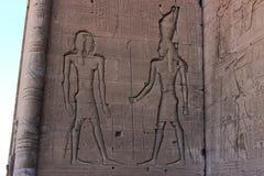 El frescoe en la pared del templo en Dendera Imagen de archivo