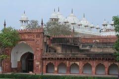 El fuerte rojo de Agra la India fotografía de archivo
