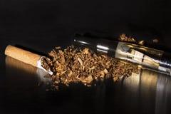 El fumar roto primer de la parada del cigarrillo Fotos de archivo