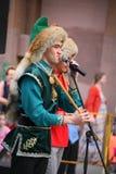 El funcionamiento del conjunto nacional bashkir de los músicos y de los bailarines Imágenes de archivo libres de regalías