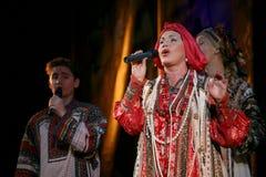El funcionamiento en la etapa del cantante popular nacional del babkina del nadezhda de las canciones y de la canción rusos del r Fotografía de archivo libre de regalías
